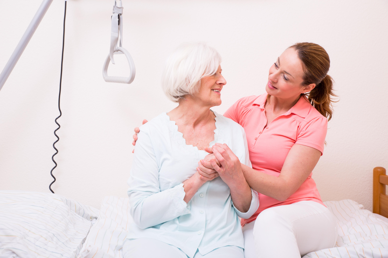 Mutter und Tochter Vertrauen im Krankenhaus